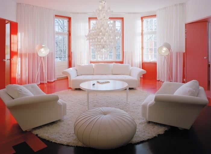 Круглая комната
