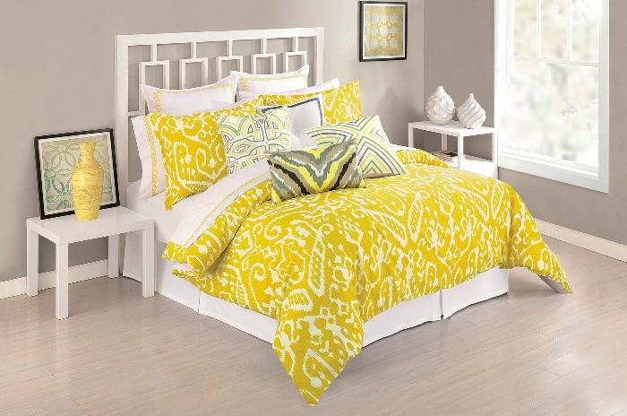 Желтое покрывало