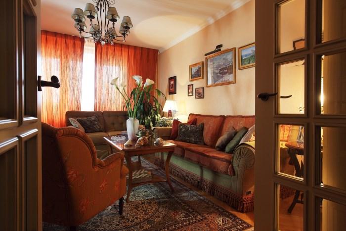 Бахрома у дивана