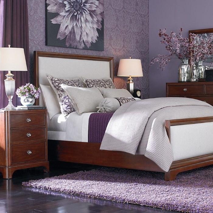 Массивная деревянная кровать