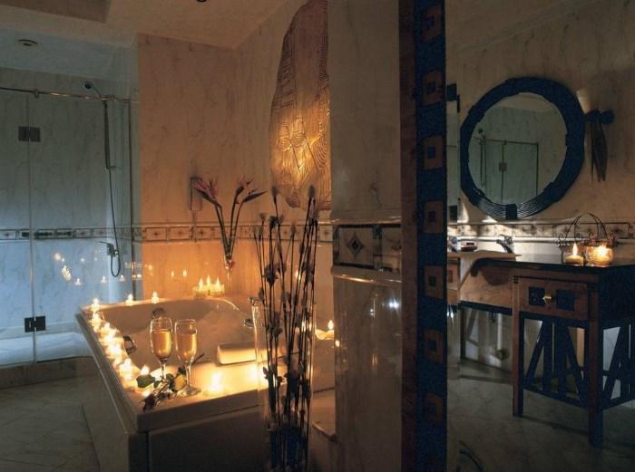 Свечи на ванной