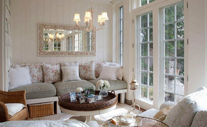 Белые подушки