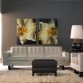 Картины в интерьере современной гостиной