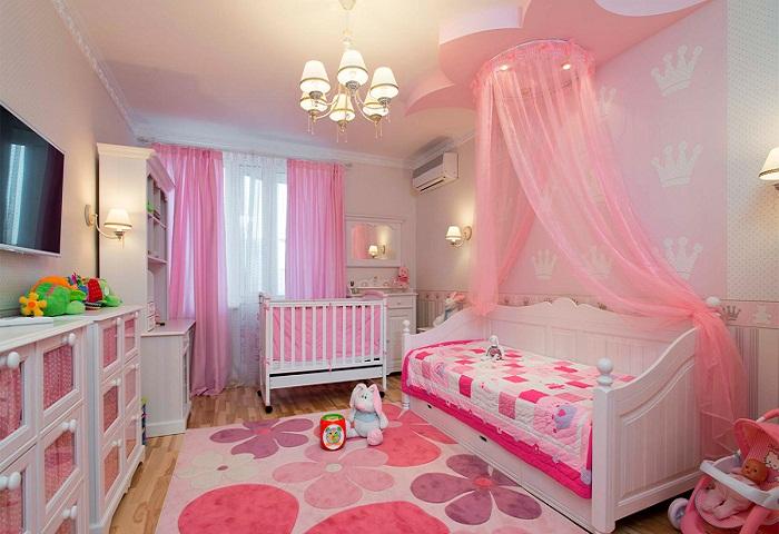 Розовые занавески