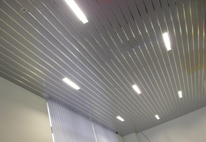 Видео реечный потолок своими руками