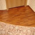 Как оформлять стыки ламината и плитки?